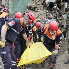 Nepal earthquake rescues