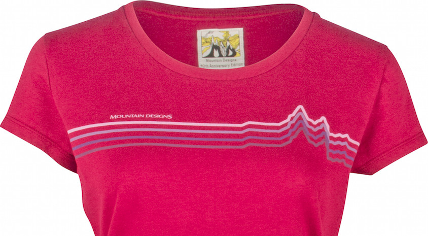 Mountain Designs red t-shirt