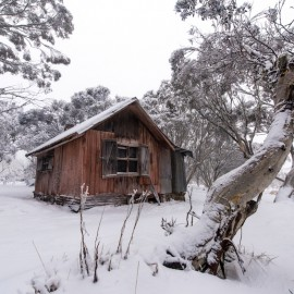 Mount Hotham emergency shelter hut.